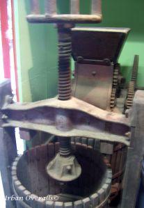 1910s cider press