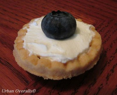 mascarpone with blueberry