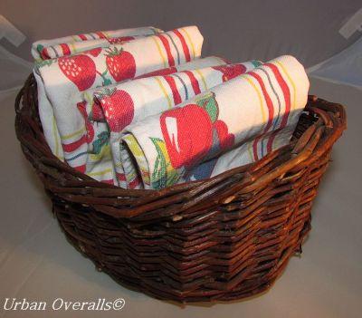 napkins-in-basket-cr