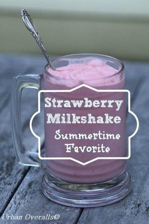 strawberry milkshake ready to enjoy